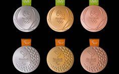 As medalhas Olímpicas (acima) e Paralímpicas (abaixo) de prata, ouro e bronze (da esq. para a dir.)
