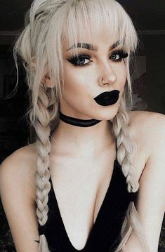 makeup black – Hair and beauty tips, tricks and tutorials Goth Makeup, Black Makeup, Hair Makeup, Goth Beauty, Dark Beauty, Beauty Makeup, Blonde Goth, Goth Hair, Gothic Hairstyles