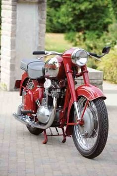 Behind the Iron Curtain: 1958 Jawa 500 Overhead Cam Twin - More Classic Motorcycles - Motorcycle Classics, Antique Motorcycles, Custom Motorcycles, Cars And Motorcycles, Jawa 350, Old Style House, Normal Cars, Buy Classic Cars, Power Bike, Bike Engine