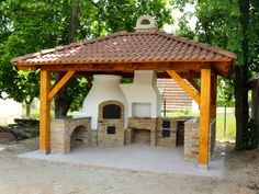 An outdoor kitchen can be an addition to your home and backyard that can completely change your style of living and entertaining. Backyard Kitchen, Kitchen Oven, Outdoor Kitchen Design, Backyard Bbq, Cabana, Gazebo, Pergola, Kitchen Layout, Outdoor Cooking