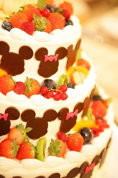 Yummy looking Mickey and Minnie Mouse fruit cake