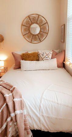 Room Design Bedroom, Room Ideas Bedroom, Home Decor Bedroom, Dorm Room Themes, Dorm Room Designs, Teen Bedroom, Bedroom Inspo, Aesthetic Bedroom, Beach Aesthetic