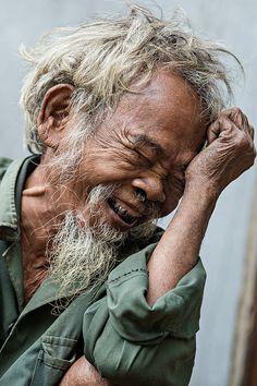 Old man Co Tu (Vietnam). Hidden Smiles Portraits of Vietnamese. #Unique #Yourself #Personality #Happiness #Smile