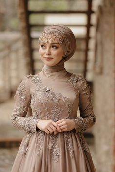 Wedding Hijab Styles, Muslim Wedding Dresses, Bridal Dresses, Sleeves Designs For Dresses, Prom Dresses Long With Sleeves, Modest Dresses, Beautiful Prom Dresses, Elegant Dresses, Hijab Evening Dress