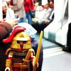 Un #samurai en #Rodalies #figura #toy #playmobil #renfe #tren #barcelona