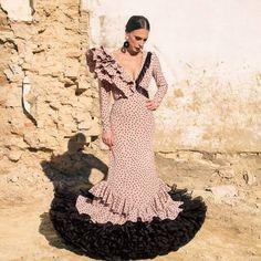 Baby Shower Dresses, Unique Dresses, Kurti, Costumes, Instagram, Flamenco Dresses, Outfits, Dress Ideas, Seville