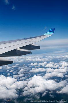 발리행 비행기에 올라 탔습니다.  이번 발리행은 가루다항공 특가로 싸게 고고싱~!!