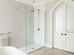 Metro tiles and large walk in shower with victorian shower head SHOOTFACTORY: other UK houses / argo, bournemouth bh6