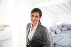 How to Become a Real Estate Agent: 11 Key Steps for Success