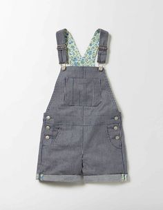 When the sun's shining and you're feeling ready for adventure, slip on our short dungarees. This pair has handy pockets – perfect for storing emergency sweets and treasures. Layer it over your favourite T-shirt and get exploring.