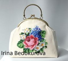 Gallery.ru / Фото #35 - Вышитые сумки - mrsBIV