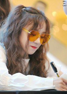 Kpop Girl Groups, Korean Girl Groups, Kpop Girls, Extended Play, Mamamoo, Rapper, 2ne1, Soyeon, Ulzzang Girl