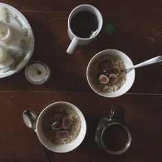 autumn mornings with steel cut oatmeal & figs. instagram by Hannah Ferrara @anotherfeather