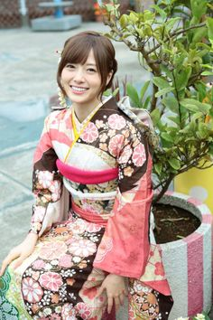 This is a collection of the most beautiful pics of slim and nubile girls I have. Japanese Costume, Japanese Kimono, Japanese Girl, Kimono Japan, Japanese Beauty, Japanese Fashion, Asian Beauty, Kimono Fashion, Bikini Fashion