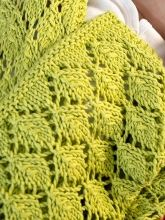 Free pattern, Botanical lace, multiple of 8 + 1 stitches  // Saurey   Berroco