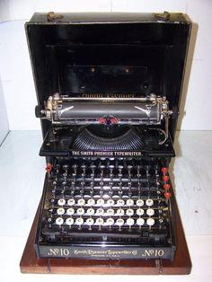 Antique 1909 Smith Premier Vintage Model #10A Typewriter - with Case #AntiqueTypewriter