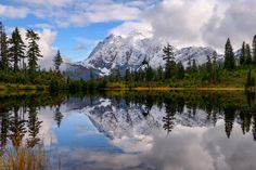 Mount Shuksan and Picture Lake Reflection Photography, Clear Sky, Unique Image, Abstract Images, Stunningly Beautiful, Washington State, Scene, Landscape, Water