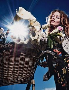 Bloom-Inspired Style From Elle France | PHOTO: Steve Hiett For Elle France // #fashion #editorials