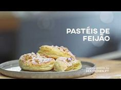Pasteis de feijão | COMTRADIÇÃO com Henrique Sá Pessoa - YouTube French Toast, Muffin, Food And Drink, Breakfast, Youtube, Traditional Kitchen, Christmas Eve Dinner, Phyllo Dough, Homemade Biscuits