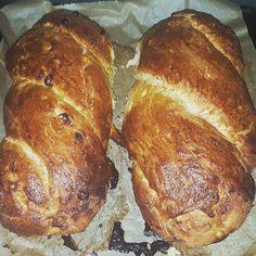 Samstagsbäckerei mit Hefezöpfen.  #backfieber #baker #bakersofig #bakers #bakersofinstagram #bakersofig #braidedyeastbun #challah #challahbread