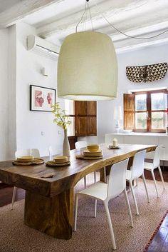 Tendência no décor 2015: móveis de madeira rústica na sala de jantar