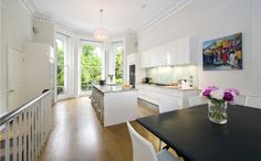Holland Park London, W11 3RZ £4,250,000 Share of Freehold (202.44sq m/2179sq ft) The fixtures and fittings include a Poggenpohl kitchen with Gaggennau appliances, Poliform wardrobes, Sonos Sound System and under floor heating. Kitchen's with proper windows.