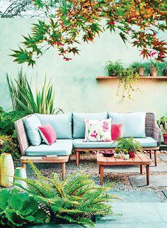 Leben im Freien mit Debenhams – Mad About The House – Furniture Makeover Outdoor Sofa, Best Outdoor Furniture, Patio Furniture Sets, Outdoor Walls, Outdoor Rooms, Rustic Furniture, Garden Furniture, Outdoor Decor, Antique Furniture