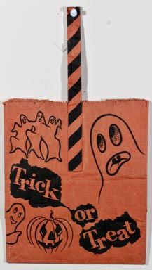 Halloween Museum page two Paper Halloween, Halloween Treat Bags, Halloween Horror, Halloween Night, Vintage Halloween, Fall Halloween, Halloween Costumes, Trick Or Treat Bags, Vintage Fall