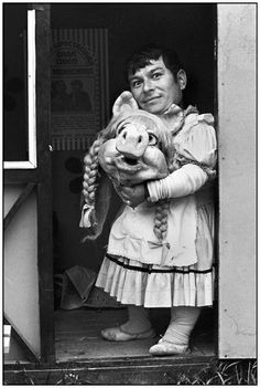 Miss Piggy II, Santiago, from The Circus series, 1984 Tina Modotti, Walker Evans, Gordon Parks, Miss Piggy, Gilbert & George, Sketch A Day, Old Photographs, Famous Photographers, Photo Projects
