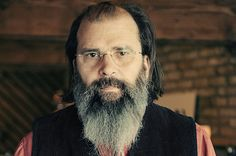 "Salon talks to alt-country hero Steve Earle about ""utterly batsh*t"" politics, Stones vs. Beatles and his new album"