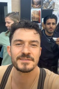 Orlando Bloom Is Coming Home to Be 'Quarantined' as Production on Carnival Row Is Shut Down Orlando Bloom Instagram, Tom Hanks And Wife, People Fly, Z Cam, Disney Channel Stars, Celebrity Dads, Celebrity Style, Wedding Art, Tom Cruise