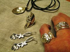 . Spoon Jewelry, Diy Jewelry, Vintage Fashion, Vintage Style, Gladiator Sandals, Jewerly, Haku, Helmet, Silver Rings