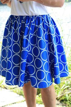 Nell from Nell's Notions shows you how to make this flattering summer skirt today. It's an easy project, perfect for your favorite fabrics...