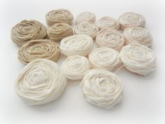 How to make Lollipop Rosettes  http://www.theribbonretreat.com/blog/fall-rosette-wreath.html