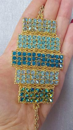 Swarovski crystal bracelet – Diy Jewelry To Sell Armband Swarovski, Bracelet Swarovski, Crystal Bracelets, Beaded Earrings, Swarovski Crystals, Hoop Earrings, Swarovski Jewelry, Ankle Bracelets, Beaded Jewelry