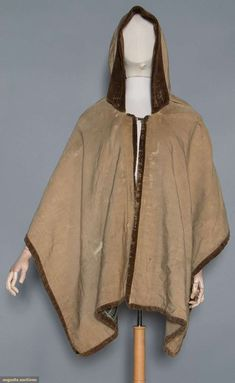 Hooded Knee Length Cape, 18th C, Augusta Auctions, May 13, 2015 - Sturbridge, MA, Lot 1031