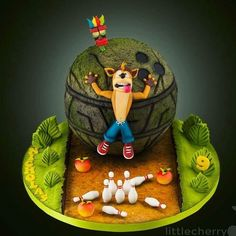 002 Crash Bandicoot birthday cake. Crash fondant topper with