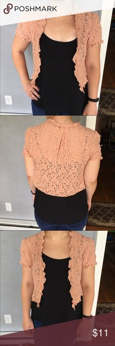 Forever 21 lace cropped cardigan Super cute and perfect for summer, this lace shrug will add class and style to any outfit. Pre-loved and in excellent condition 🎀 Forever 21 Tops
