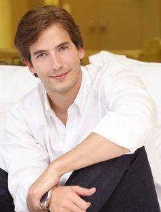 carlos torres - Buscar con Google Michael Cade, Man O, Hot Guys, Hot Men, Chef Jackets, Crushes, Actors, Boys, Handsome Man