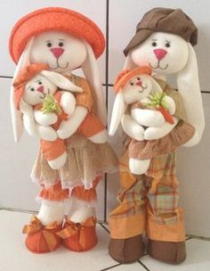 38 Ideas Easter Wood Crafts Country Diy For 2019 Crafts To Make And Sell, Diy And Crafts, Little Poney, Fabric Animals, Christmas Templates, Soft Dolls, Fabric Dolls, Easter Crafts, Wood Crafts