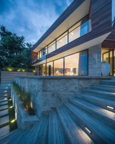 Designed and implemented by DOOI Studio, Villa Snagov stands out due to its modern geometry and expansive use of glass windows Modern Exterior, Interior Exterior, Exterior Design, Architecture Cool, Contemporary Architecture, Modern Lake House, Modern House Design, Modern Contemporary Homes, D House