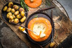 Try Squash fondue by FOOBY now. Or discover other delicious recipes from our category main dish. Fondue Recipes, New Recipes, Raclette Fondue, Baby Potatoes, Food Trends, Cooking Time, Squash, Food Print, Main Dishes