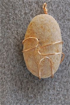wire-wrapped stones become pendants - catbird365