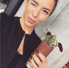 Oto kolejny jadłospis na cały tydzień od trenerki Ewy Chodakowskiej. Wszyscy wiemy, że podstawą płaskiego, seksownego brzucha jest odpowiednia dieta i regularne spożywanie posiłków, więc nie ma na co czekać! Zapisz, wydrukuj i nie zgub!