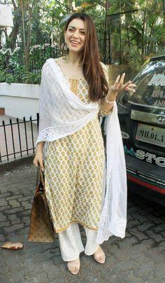 Spotted in Bandra: Hansika Motwani gets surprised to see paparazzi Kurta Designs Women, Salwar Designs, Lehenga Designs, Indian Attire, Indian Ethnic Wear, Ethnic Outfits, Indian Outfits, Casual Indian Fashion, Pakistani Dress Design