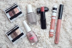 Um guia de maquiagem com diversos tons de nude. Use como referência para descobrir a cor neutra que tem mais a ver com o seu estilo.