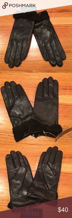 Ralph Lauren leather gloves NWT. Leather material. Suede bow on front of each glove. Ladies medium Lauren Ralph Lauren Accessories Gloves & Mittens