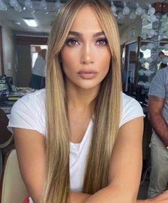 Inicio / Twitter Long Hair With Bangs, Long Hair Cuts, Long Hair Styles, Hair Inspo, Hair Inspiration, Jennifer Lopez News, Jennifer Lopez Hair Color, Sport Hair, Curtain Bangs