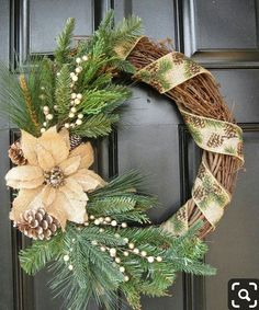 Magnificient Rustic Christmas Decorations And Wreaths Ideas 01 - Aksa. Wreath Crafts, Christmas Projects, Holiday Crafts, Wreath Ideas, Tree Crafts, Burlap Christmas, Christmas Holidays, Christmas Ornaments, Christmas Vacation