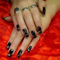 Black gel polish with chrome embellishments #nailart #dorsetnails #shaftesburynails #moleenddesign #gillinghamnails #gelpolish #chrome #smileline